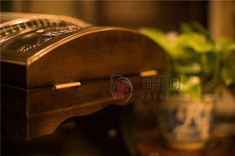龙凤古筝-楠木马车